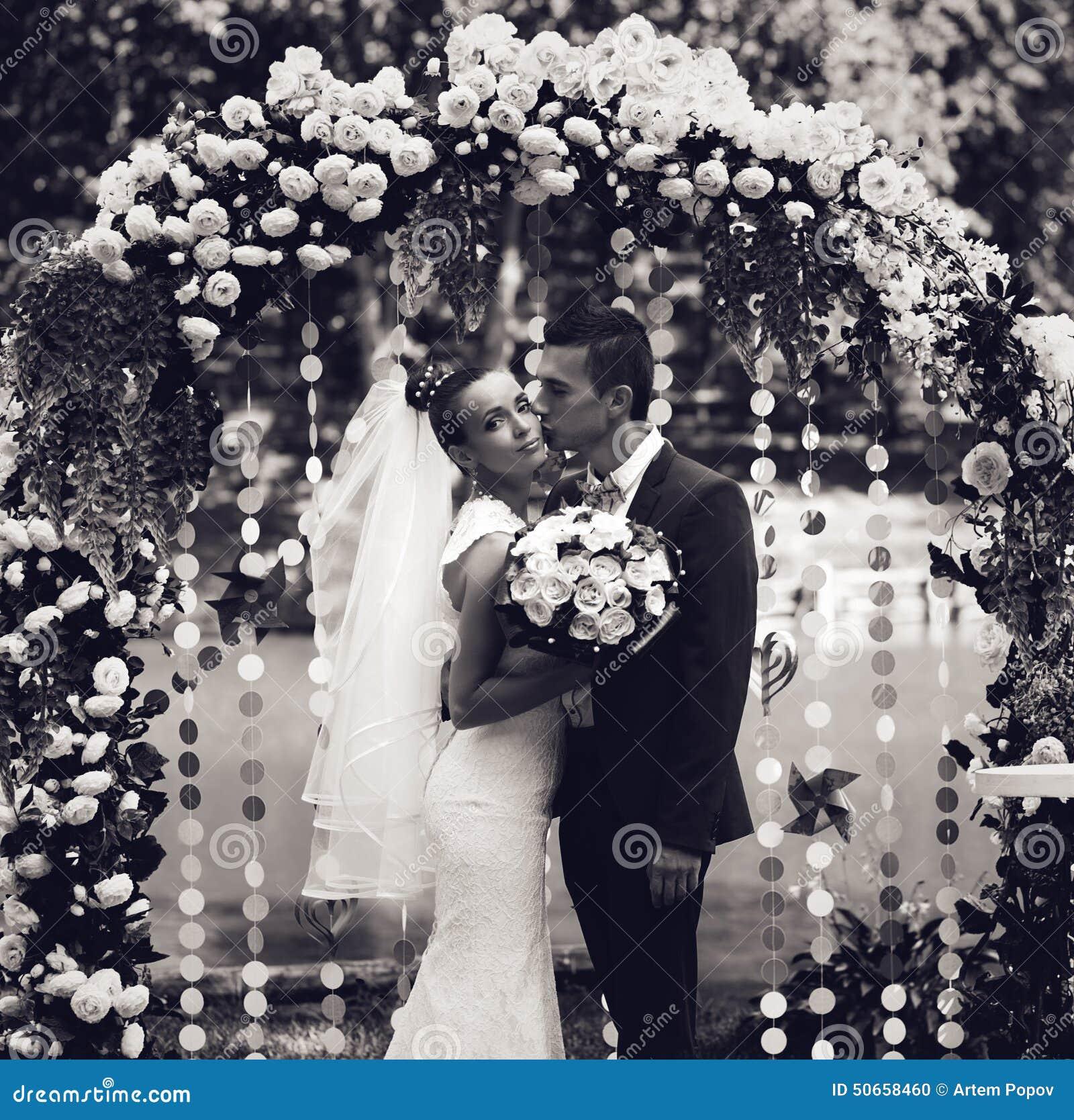 Foto blanco y negro de la pareja casada foto de archivo - Fotos de parejas en blanco y negro ...