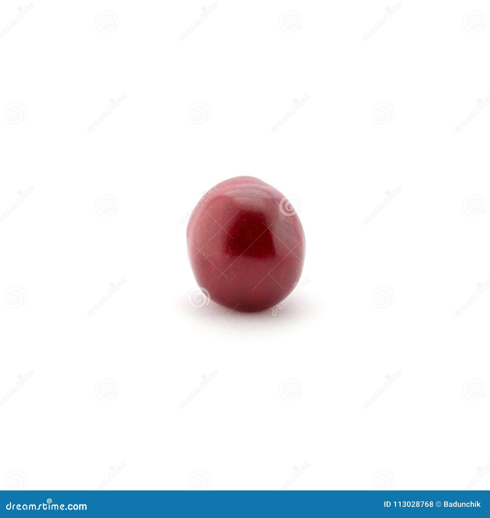 Foto de la cereza roja aislada en el fondo blanco