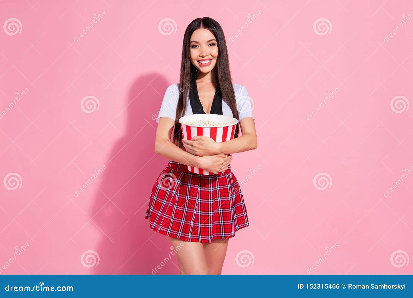 Foto de la comedia romántica de la señora del control de las manos de las palomitas del reloj hermoso del envase llevar rosa aisl