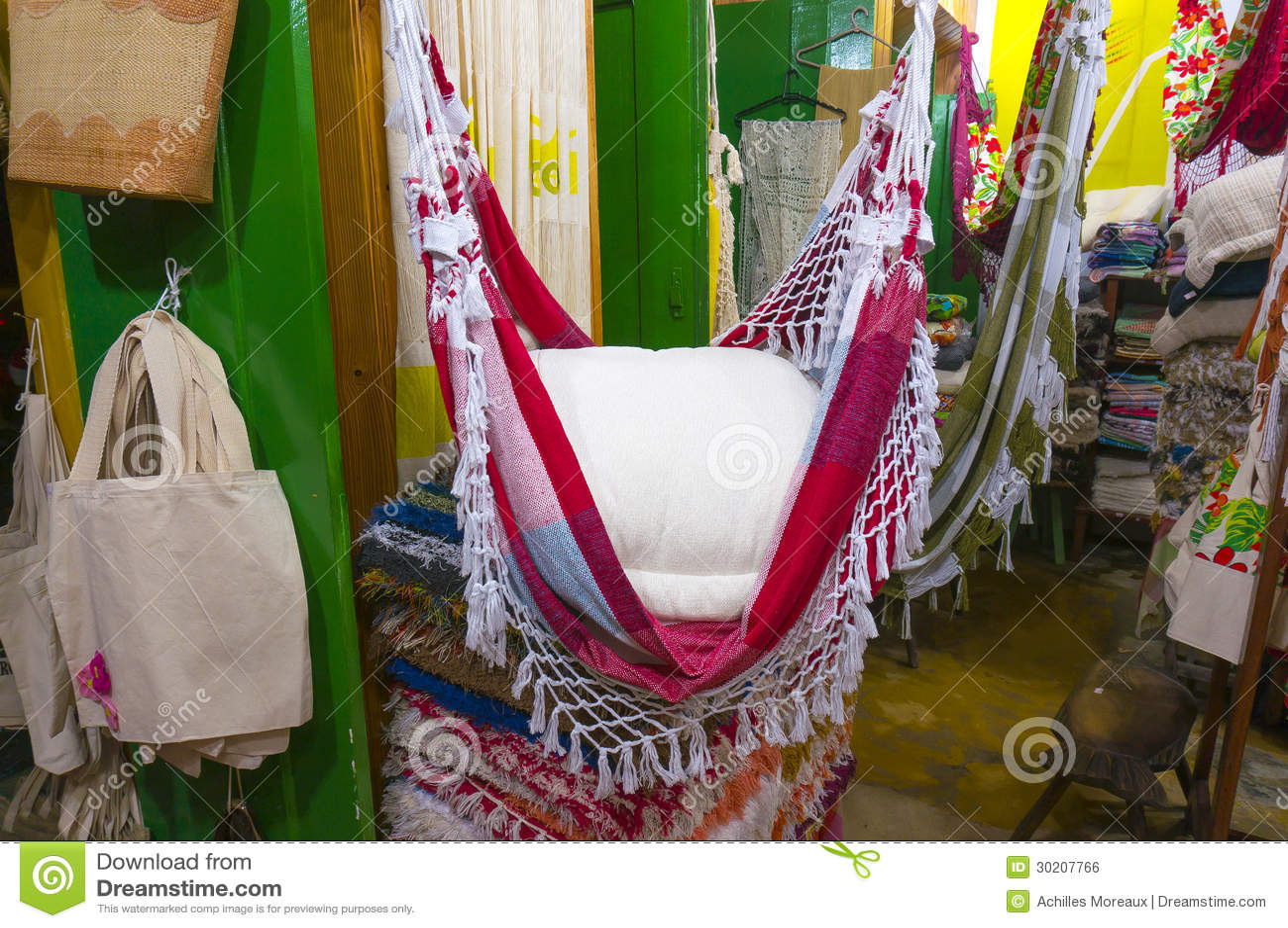 Loja da lembrança de matéria têxtil em Paraty