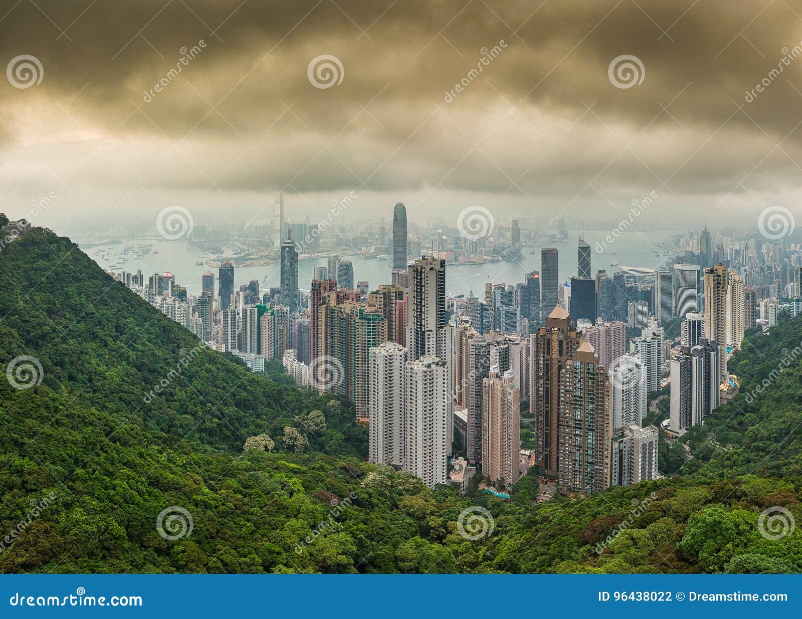 Foto del panorama hola del horizonte dramático de la ciudad de Hong Kong de la resolución