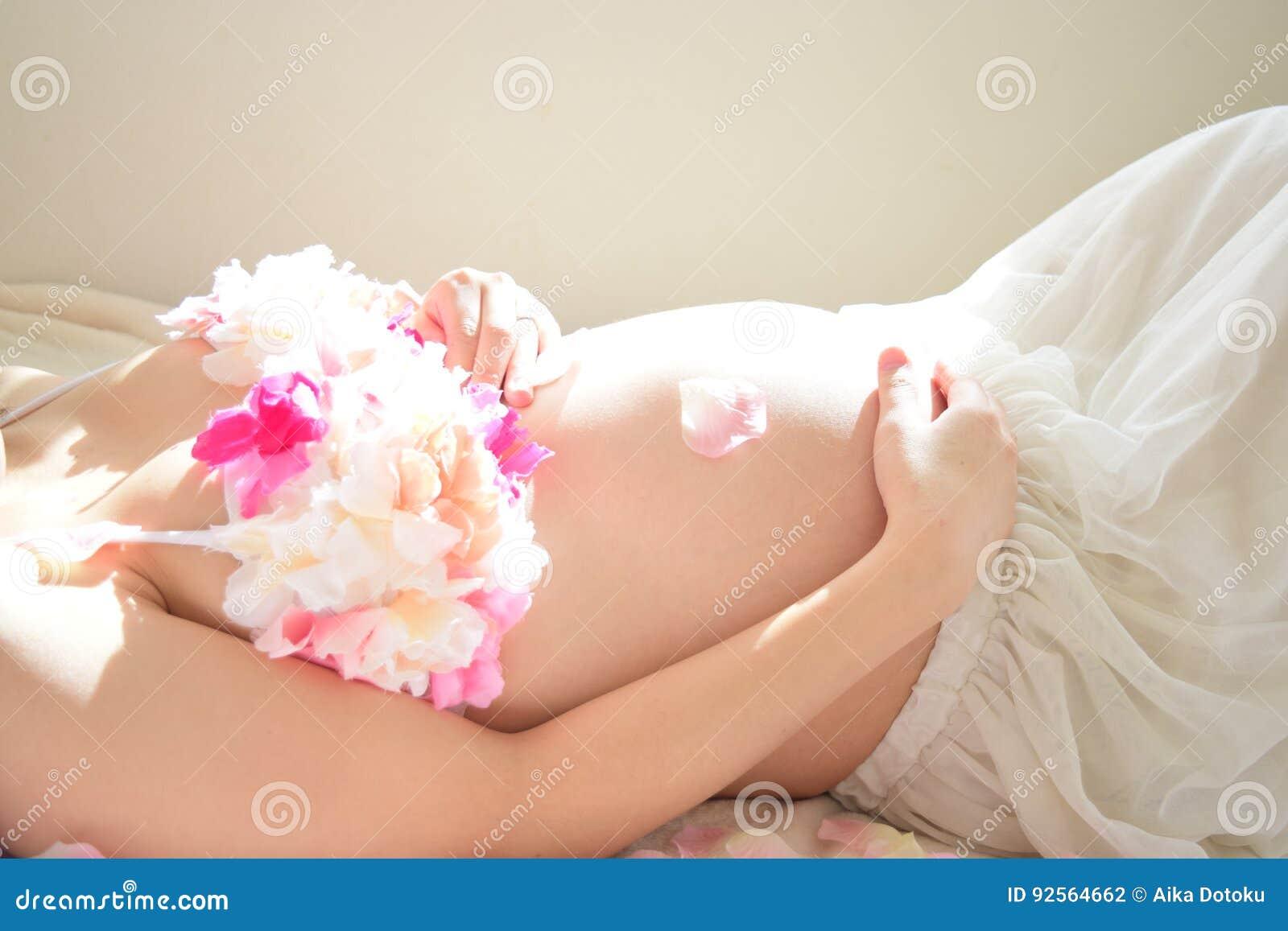 Foto di maternità delle donne che sono incinte