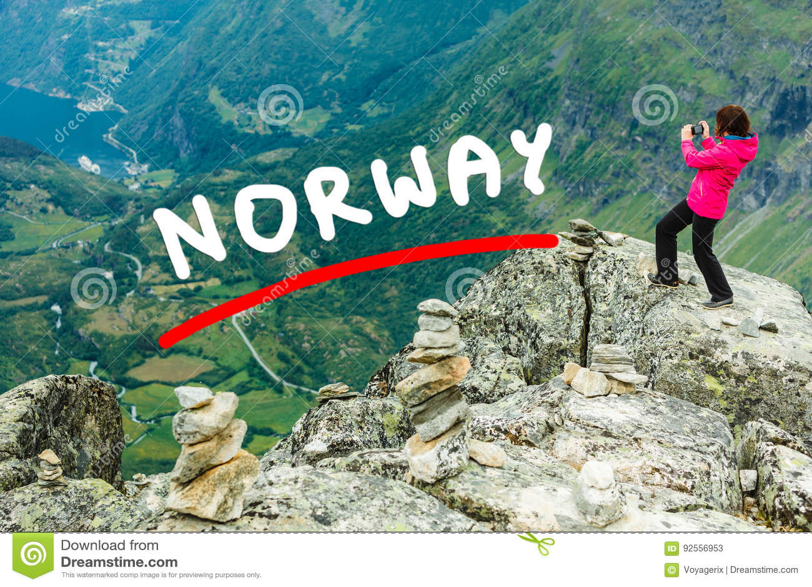 Foto di presa turistica dal punto di vista Norvegia di Dalsnibba