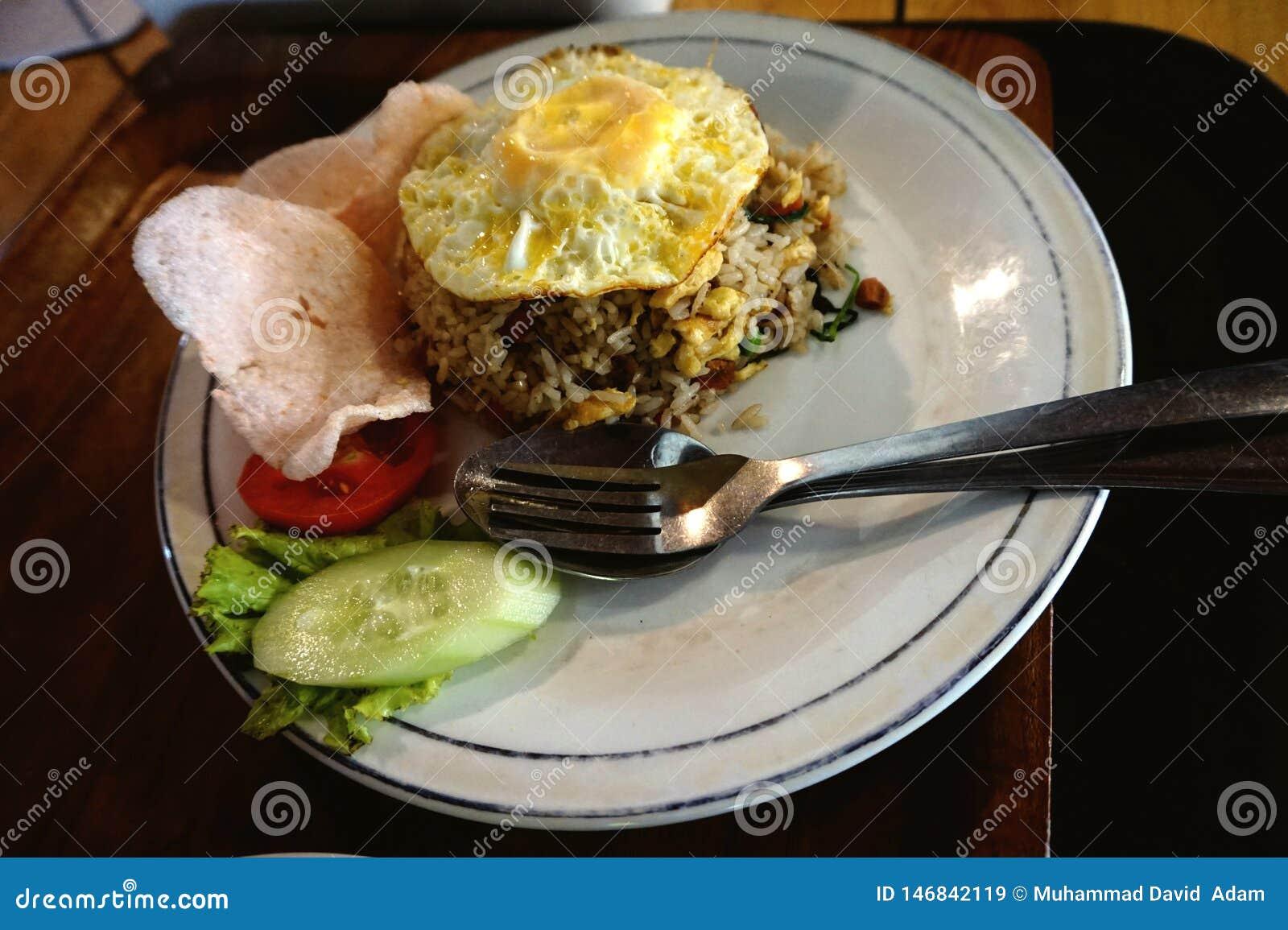 Foto di riso fritto delizioso dall Indonesia