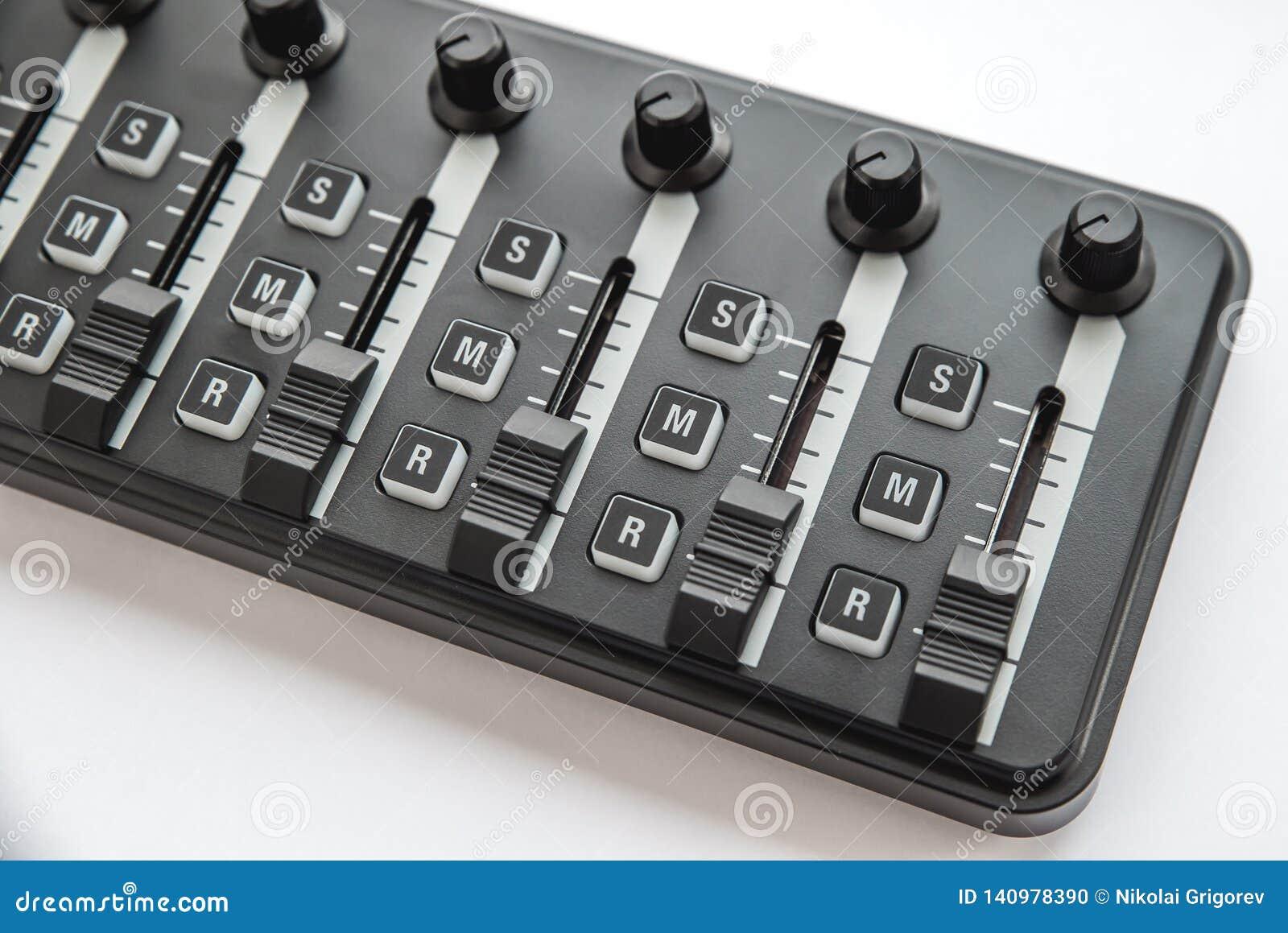 Foto do misturador audio análogo