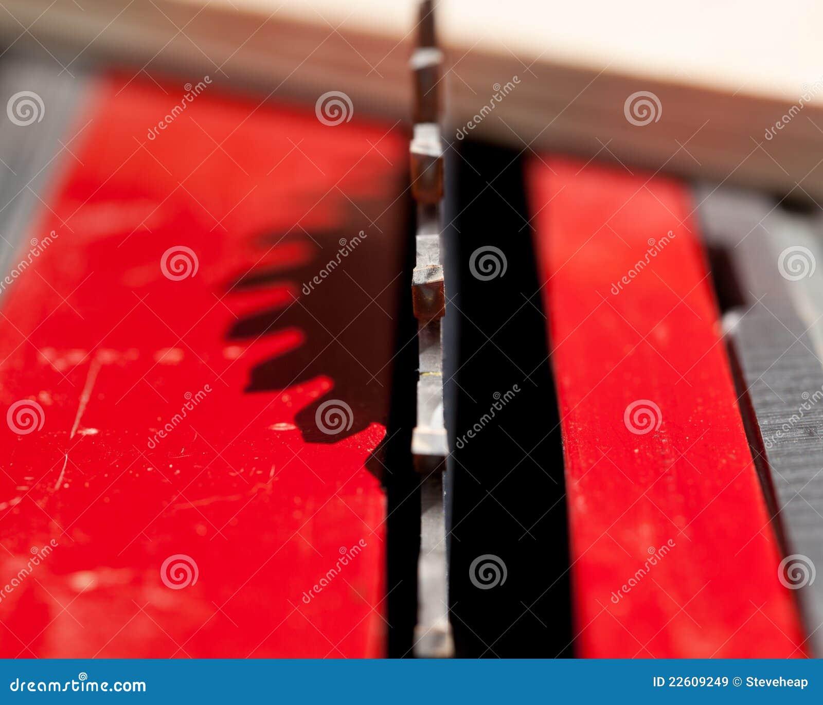 Foto macra de la lámina de sierra circular