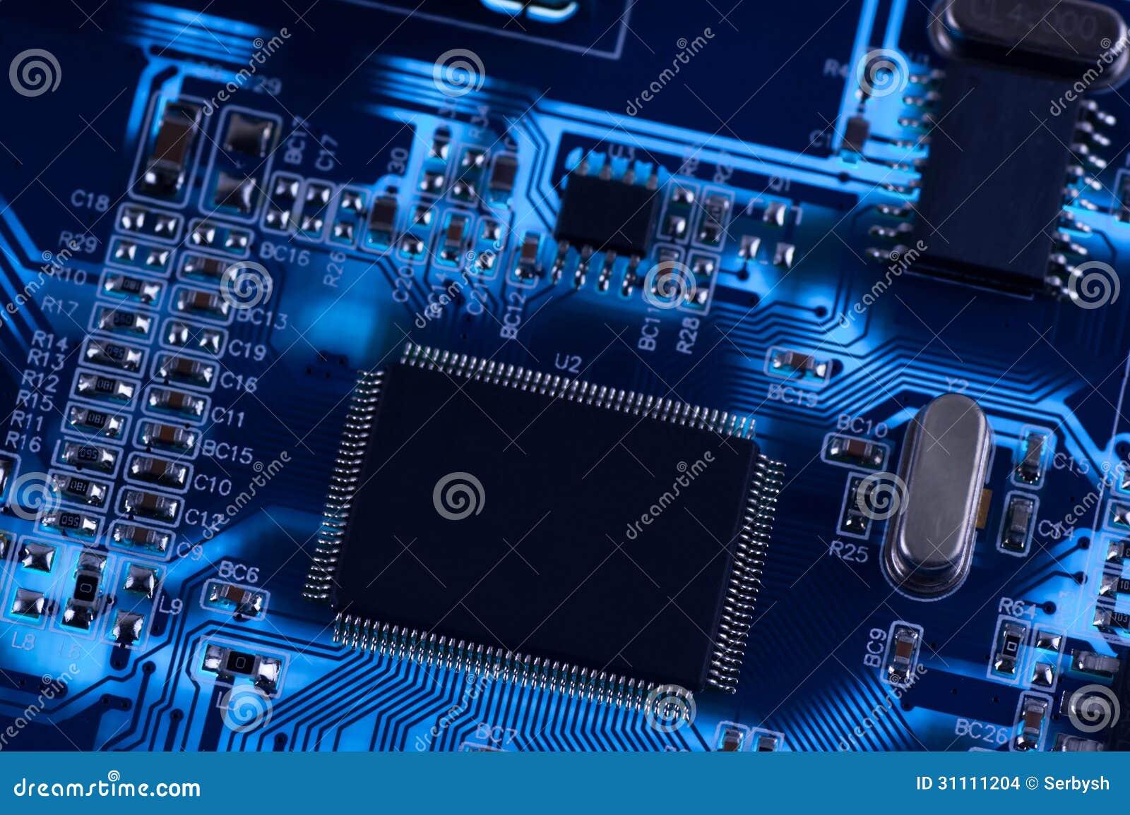 Circuito Electronico : Foto macra del circuito electrónico pwb en la iluminación foto