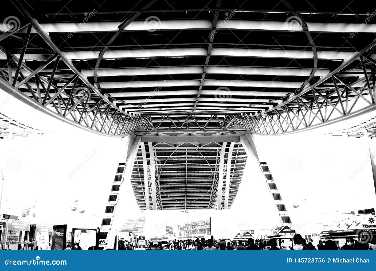Foto preto e branco, o sal?o de exposi??o o maior do mundo, constru??o, centro de exposi??o internacional de Guangzhou Pazhou