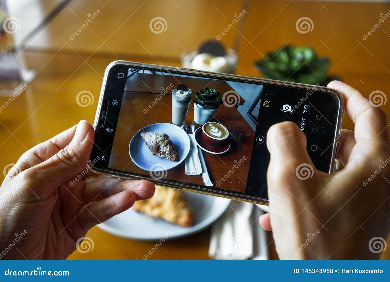 Food Photography Using Mobile Phone Product Photos Of Coffee Latte Croissant Chocolate And Blue Ocean Top View Photo Of Food Foto De Archivo Imagen De Blue Croissant 145348958