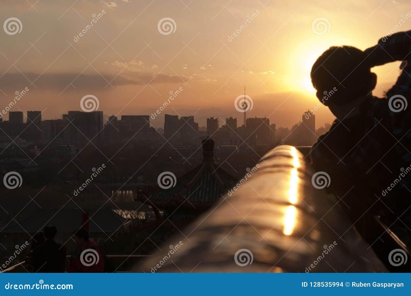 Fotograf przy pracą plenerową Pekin miasto