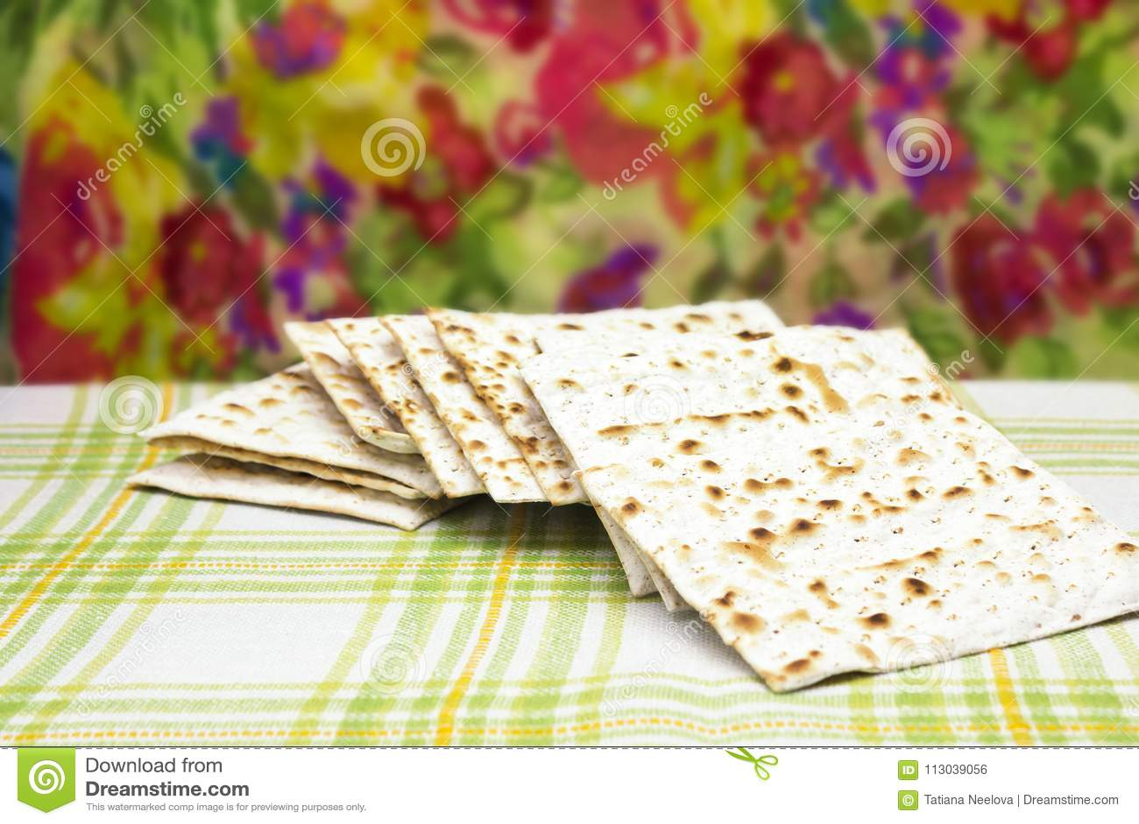 Fotografia Żydowski Matzah chleb Matzah dla Żydowskich Passover wakacji Selekcyjna miękka ostrość