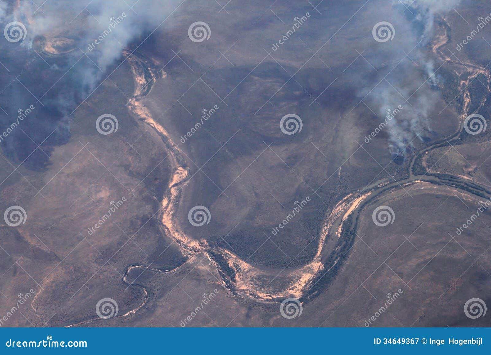 Fotografia aérea dos bushfires em Austrália