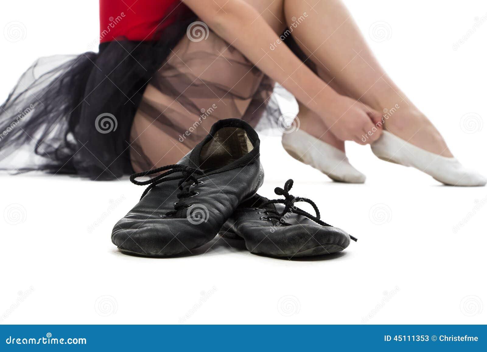 Fotografia baletniczy buty na podłoga
