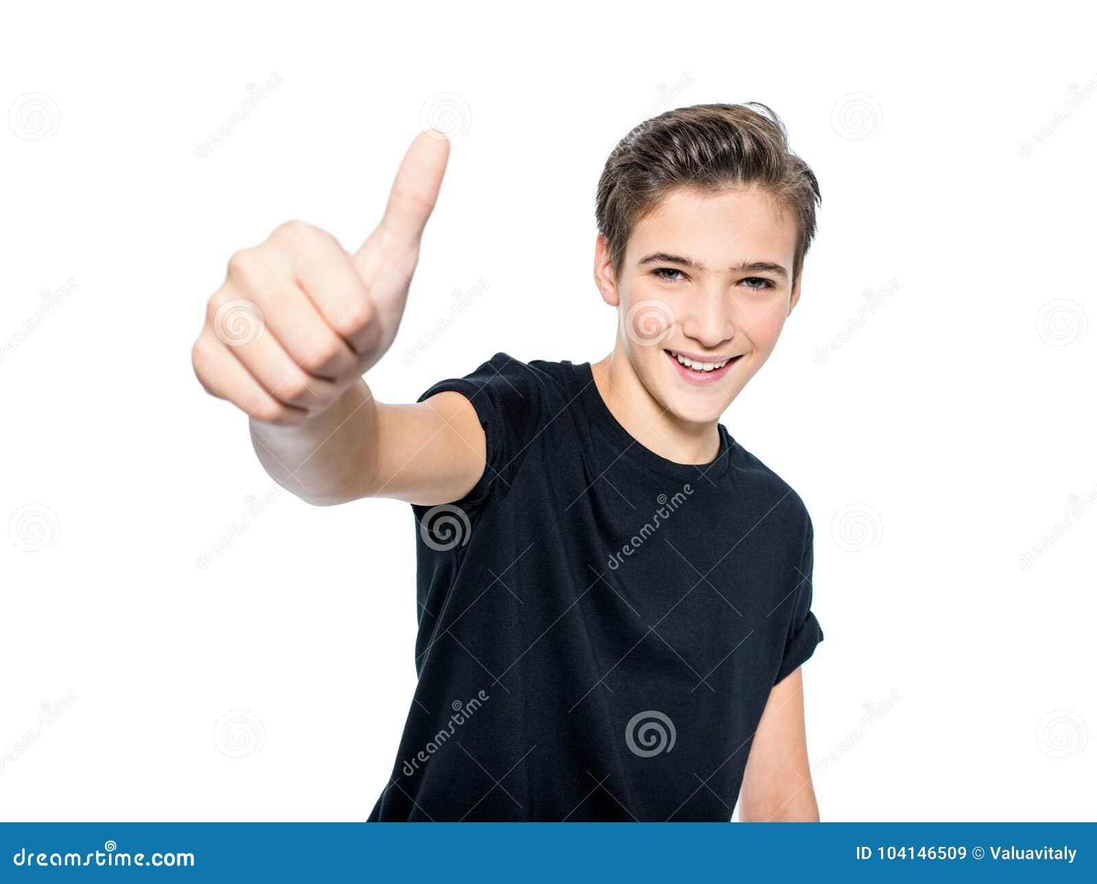 Fotografia nastoletni chłopak z kciukiem up