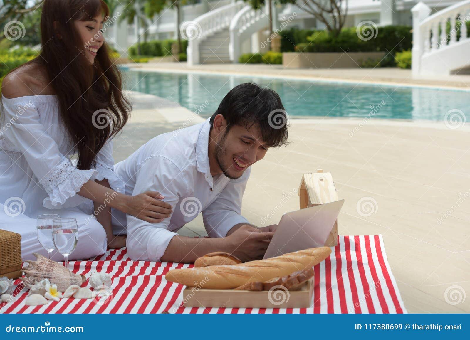 Fotografia romântica do casamento dos pares