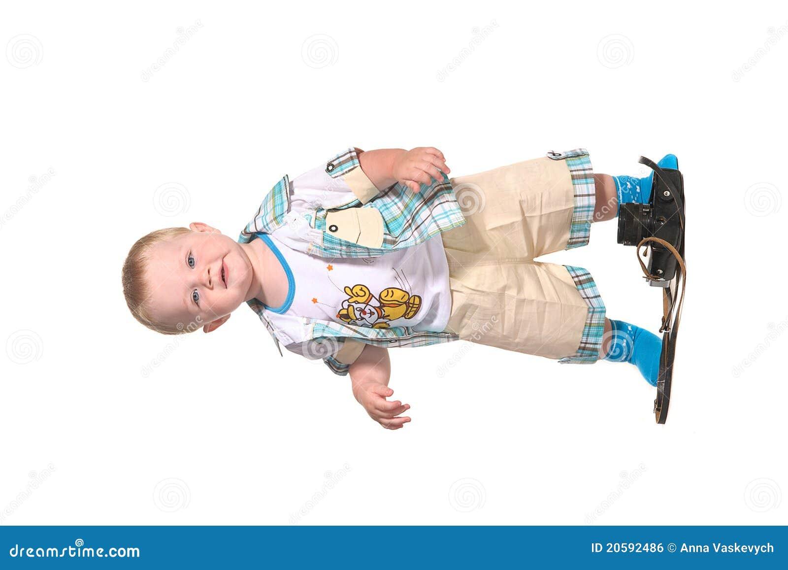 Fotografo del neonato con la vecchia macchina fotografica