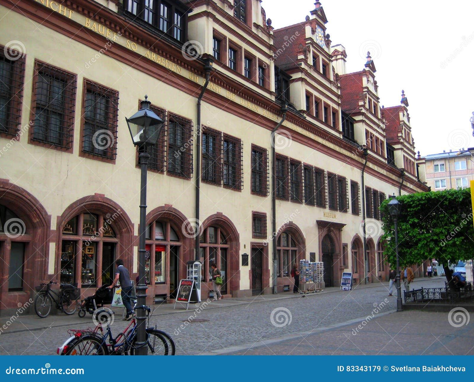 Fotos de construções arquitetónicas da câmara municipal velha no mercado, onde hoje é encontrado o museu da história de t
