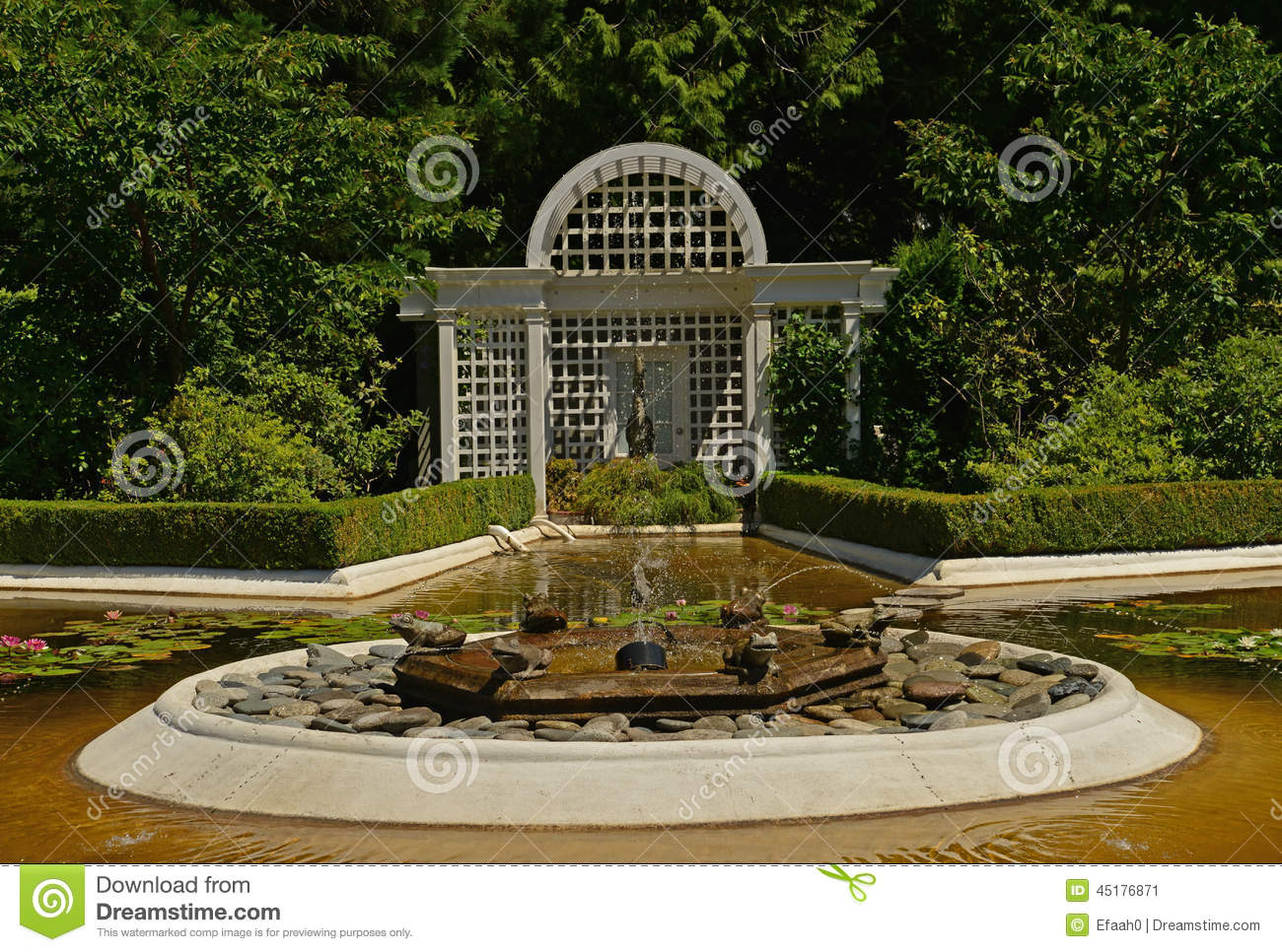 Fountain And Arbor In Butchart Gardens Stock Image - Image of ...