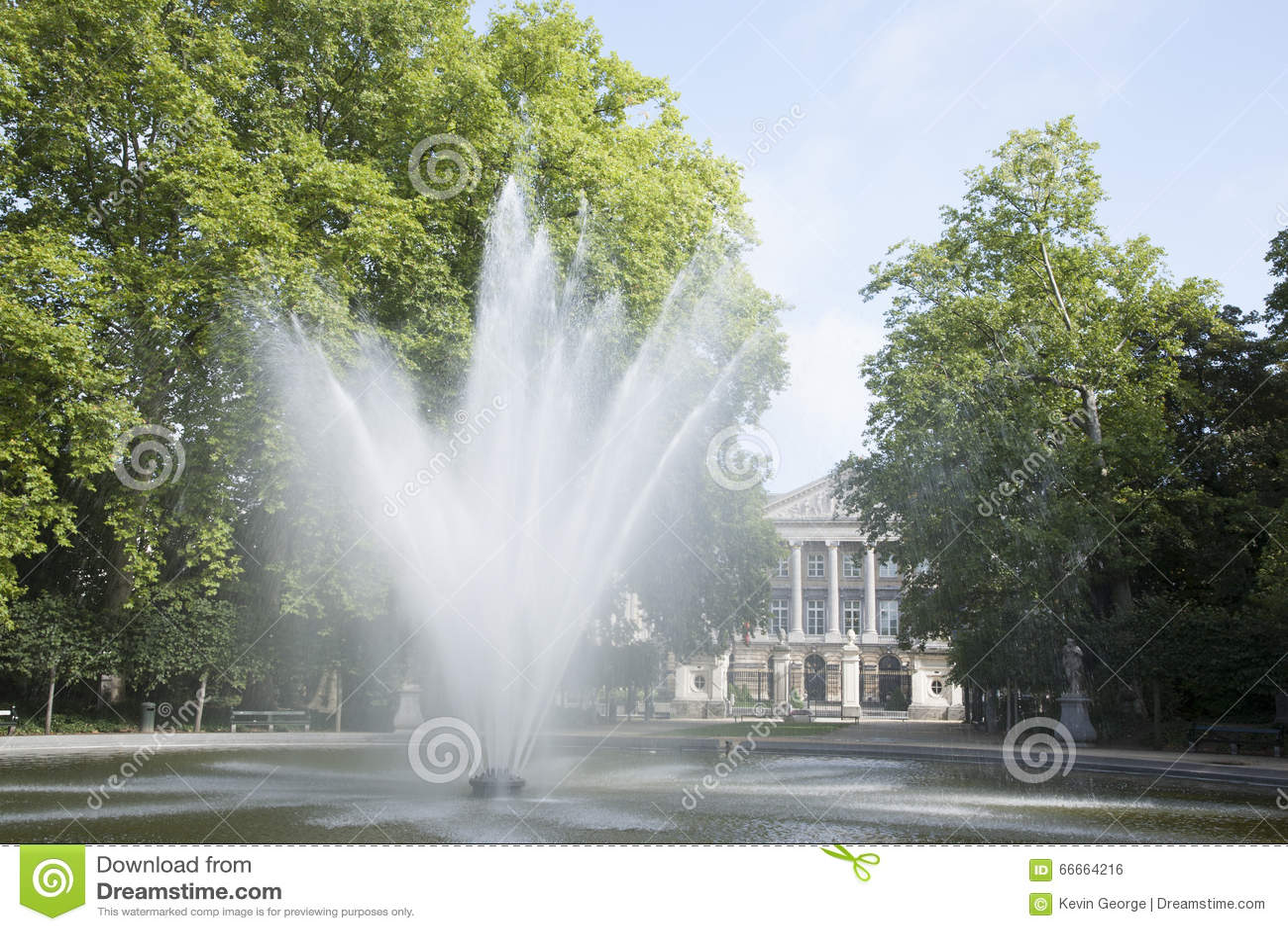 Fountain in Brussels Park - Parc de Bruxelles - Warandepark