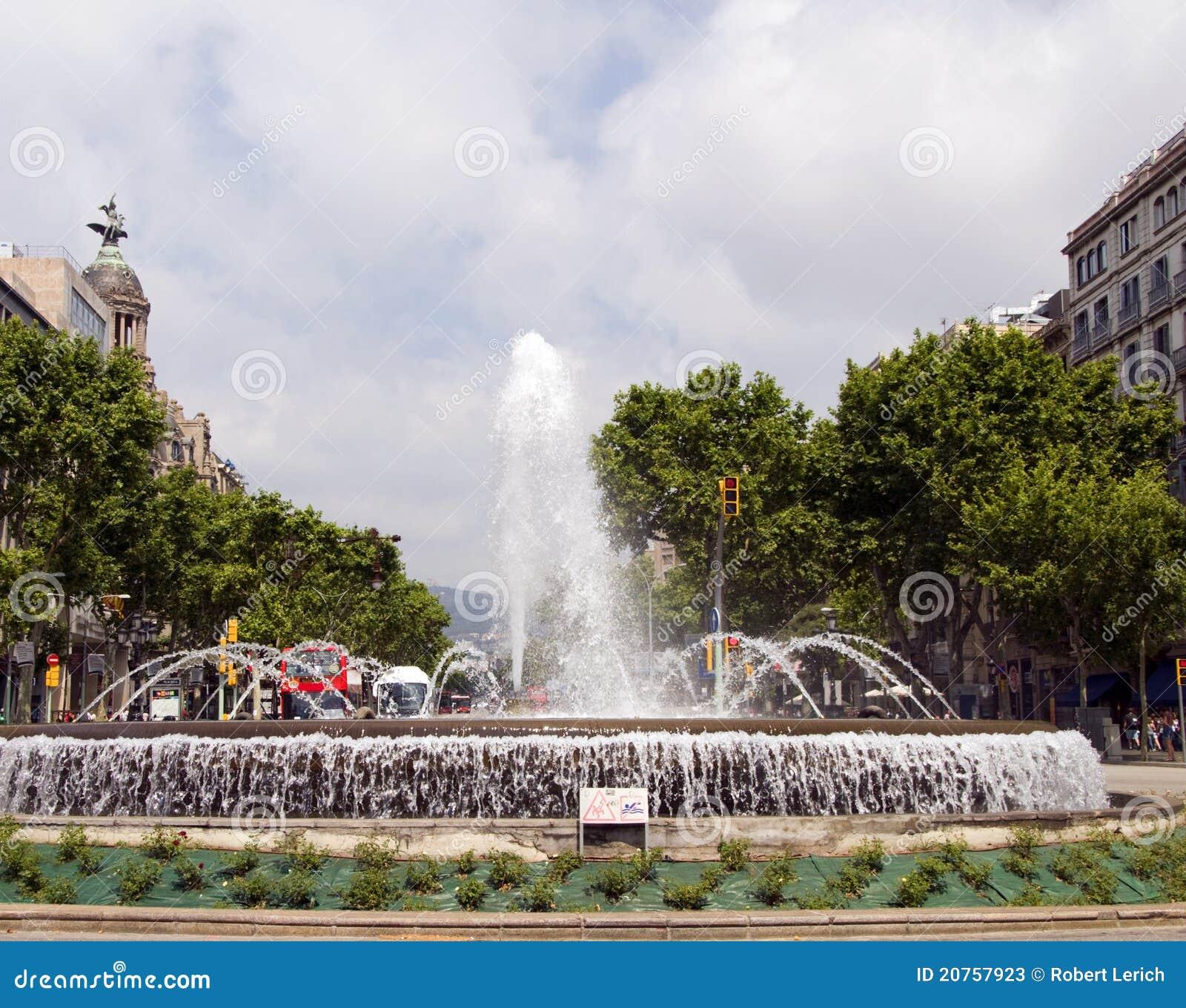fountain gran via barcelona spain stock photos image 20757923. Black Bedroom Furniture Sets. Home Design Ideas