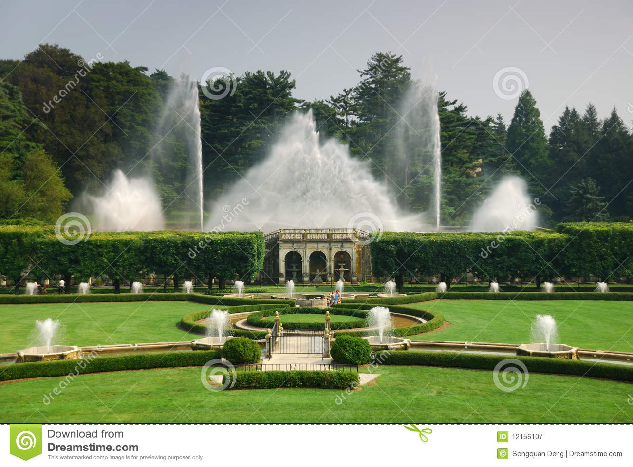 Fountain Show In Garden Editorial Photography Image 12156107