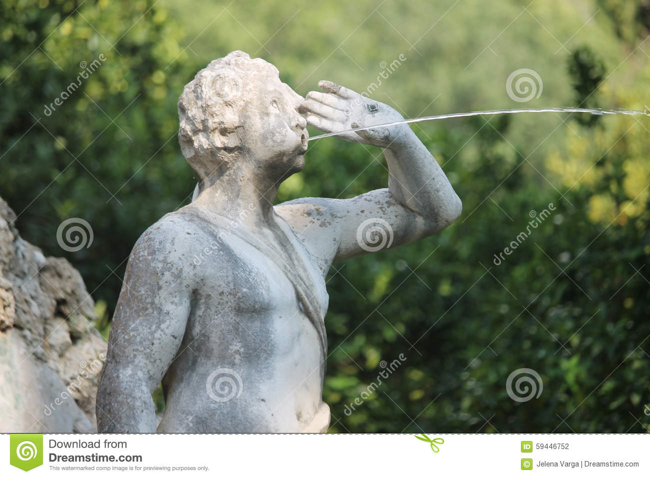 Water fountains with statues - Fountain