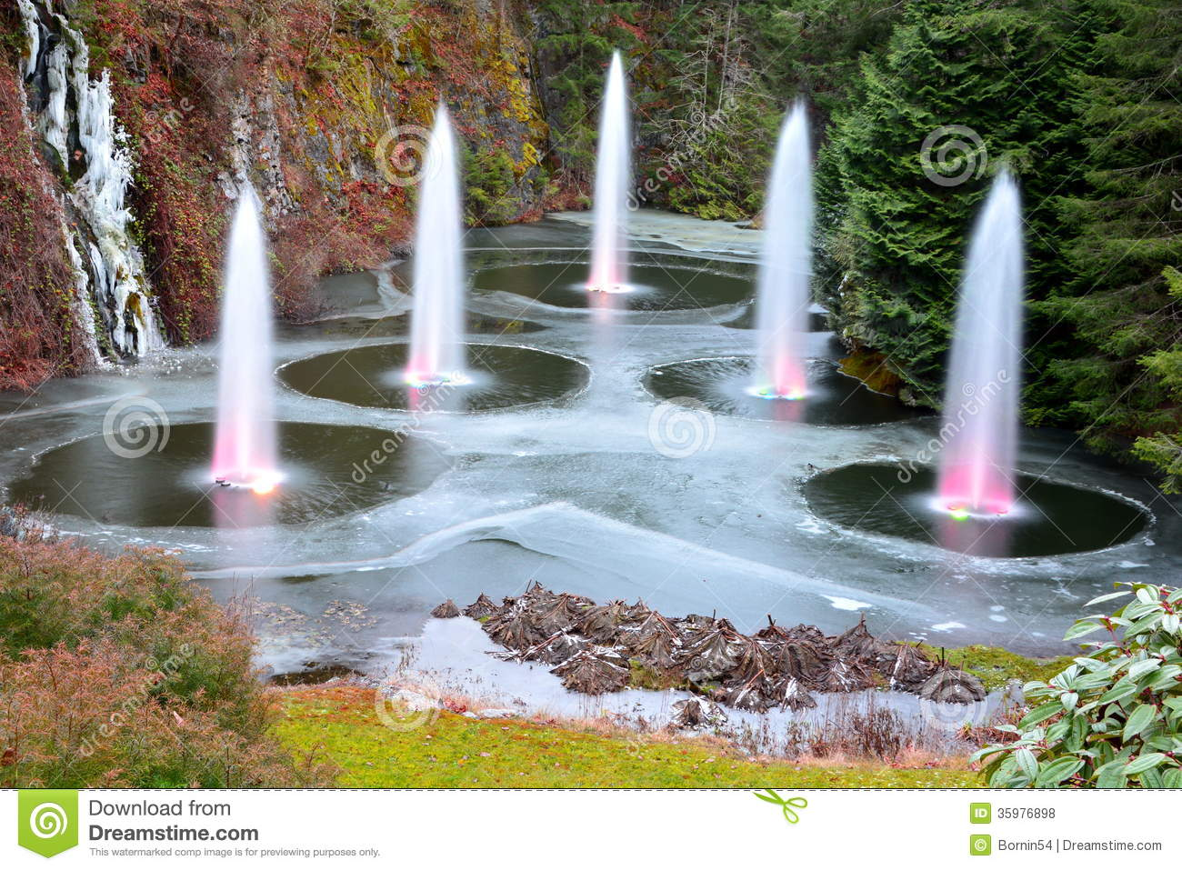 The Fountains At The Butchart Gardens Royalty Free Stock Photos