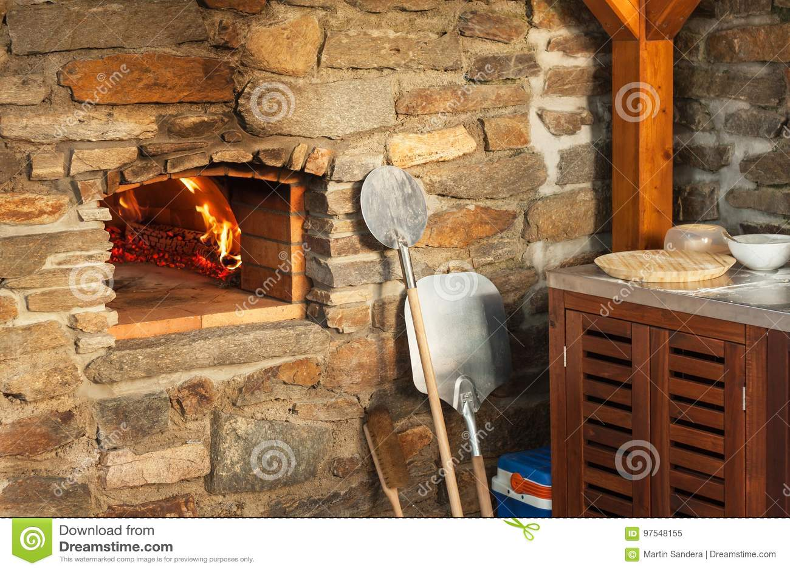 Thermomètre Four À Pain 500 four en pierre extérieur à la maison de pizza production
