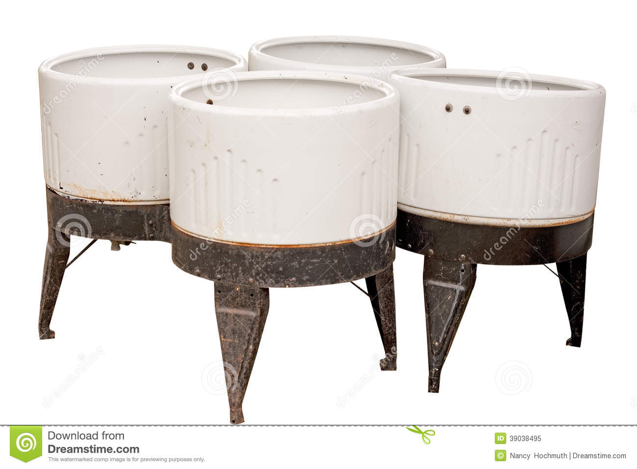Old fashioned wash tubs 8
