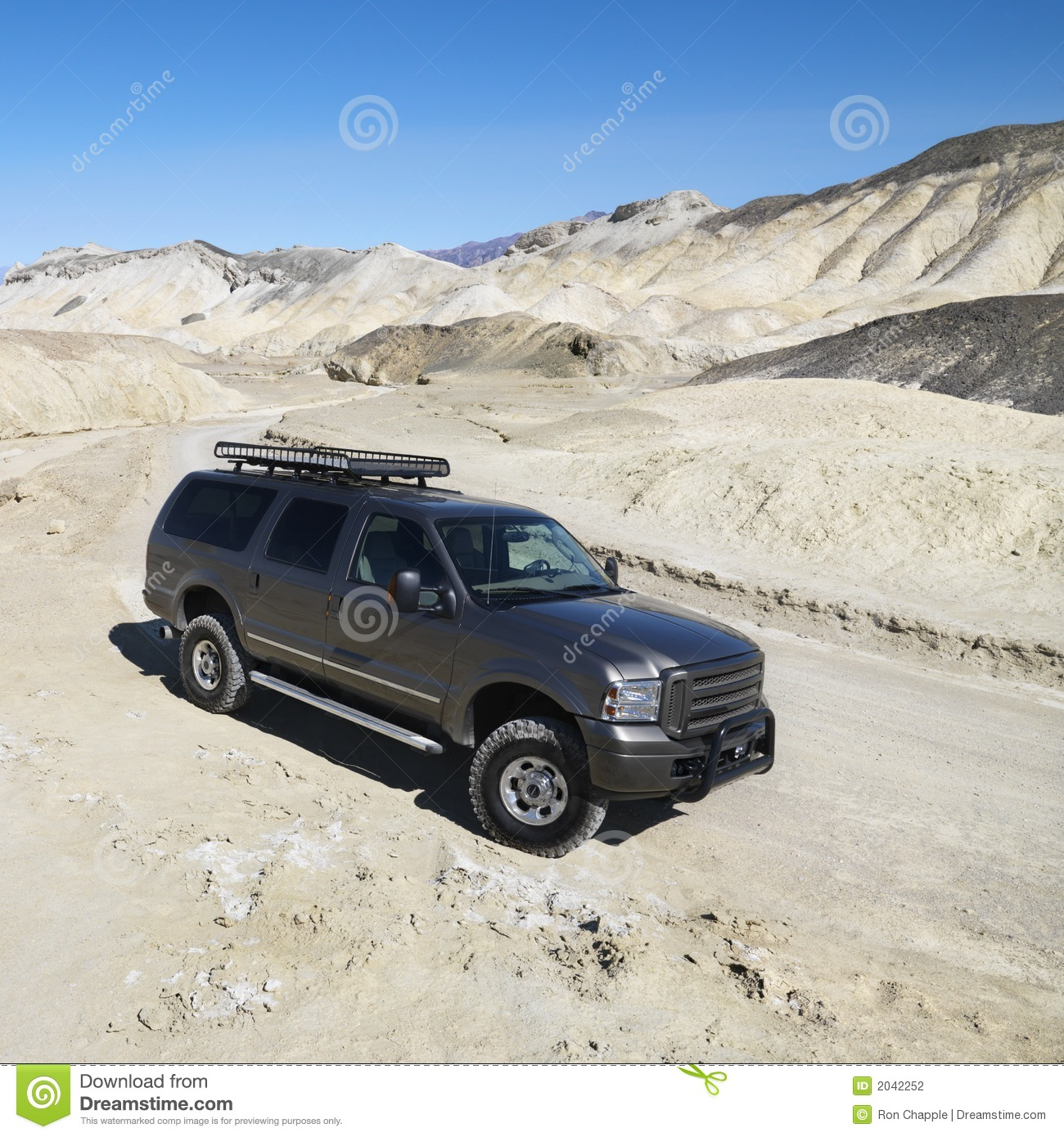 four wheel drive truck in death valley stock photography. Black Bedroom Furniture Sets. Home Design Ideas