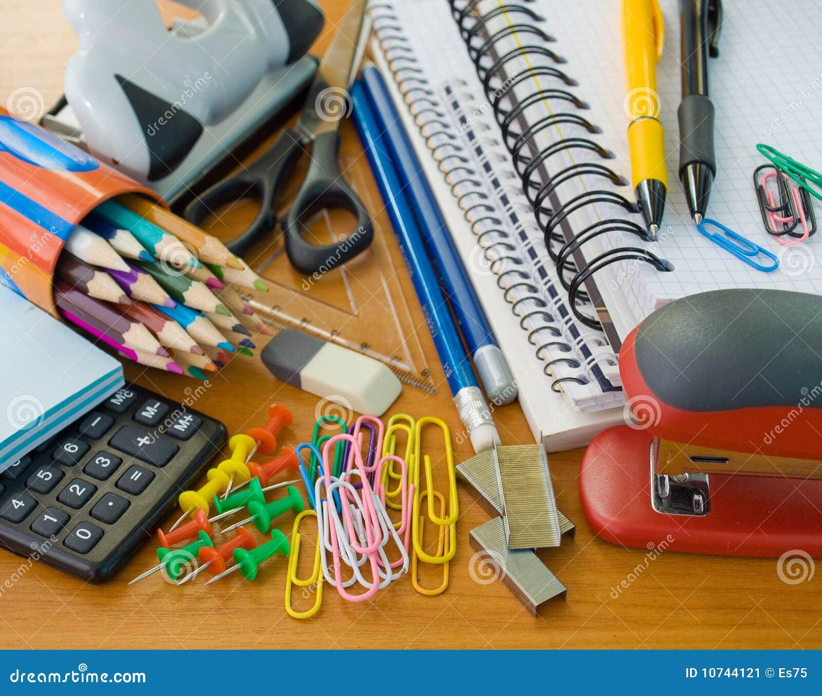 Fournitures de bureau d école