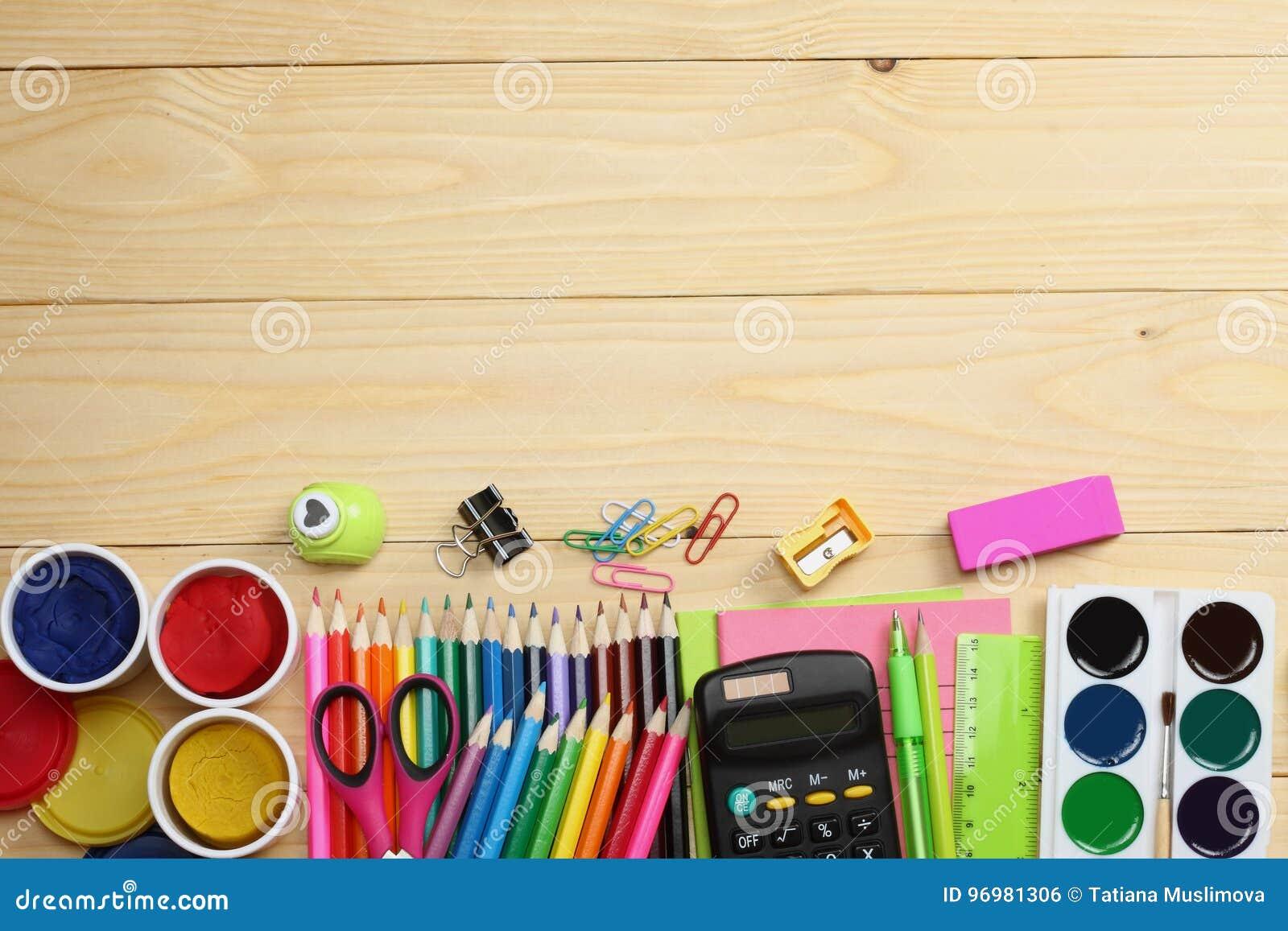 Fournitures de bureau décole et fond décole crayons colorés stylo