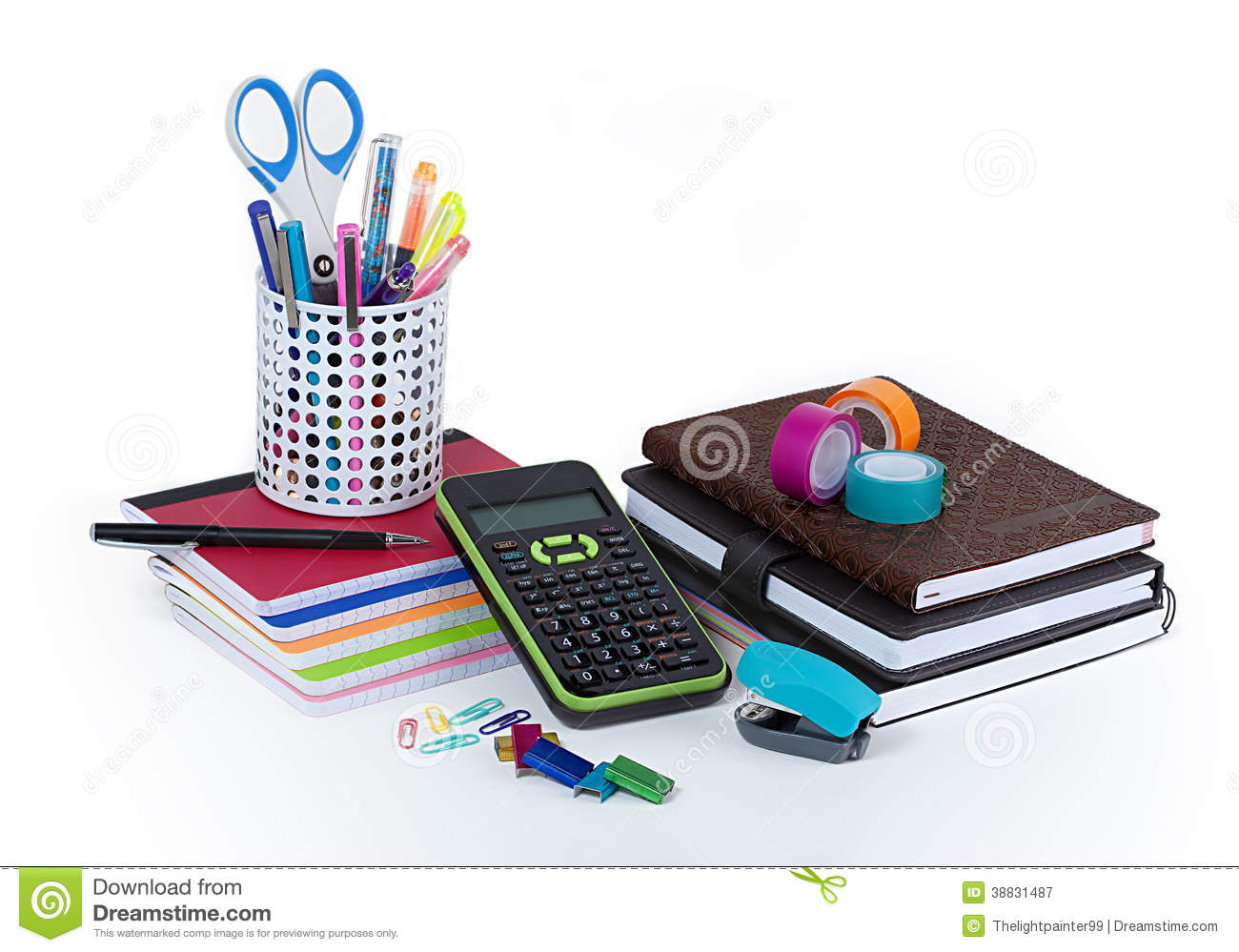 Fournitures de bureau d 39 cole et photo stock image 38831487 for Fourniture bureau