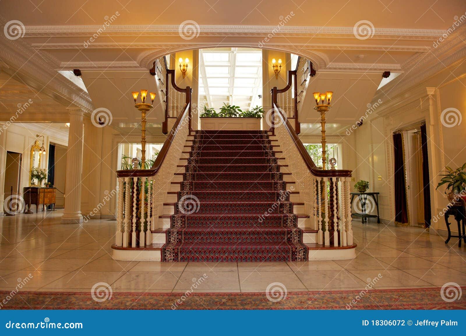 Foyer Dans La Maison Luxueuse Photo Stock Image Du