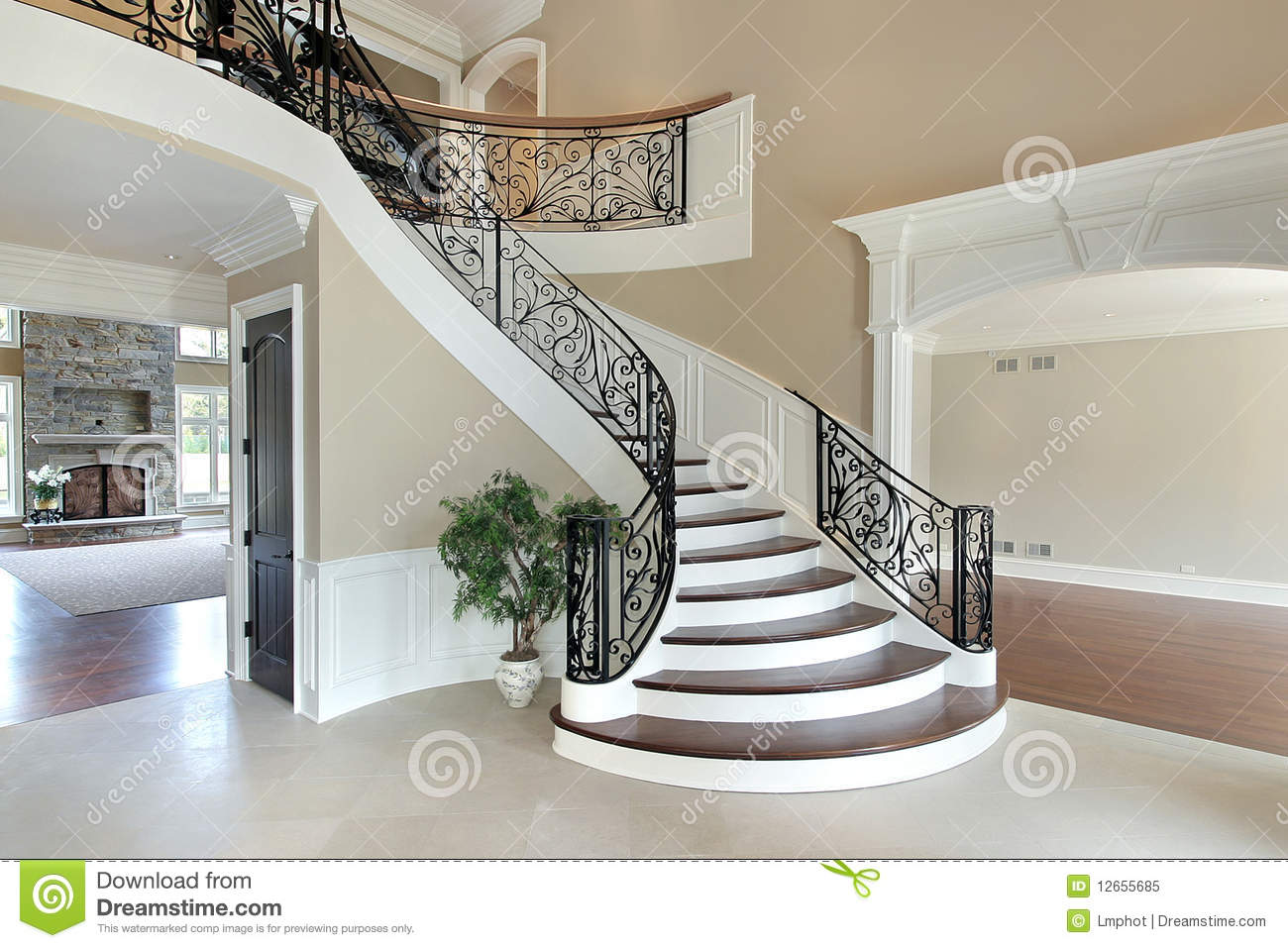 Foyer With Grand Staircase Royalty Free Stock Photo