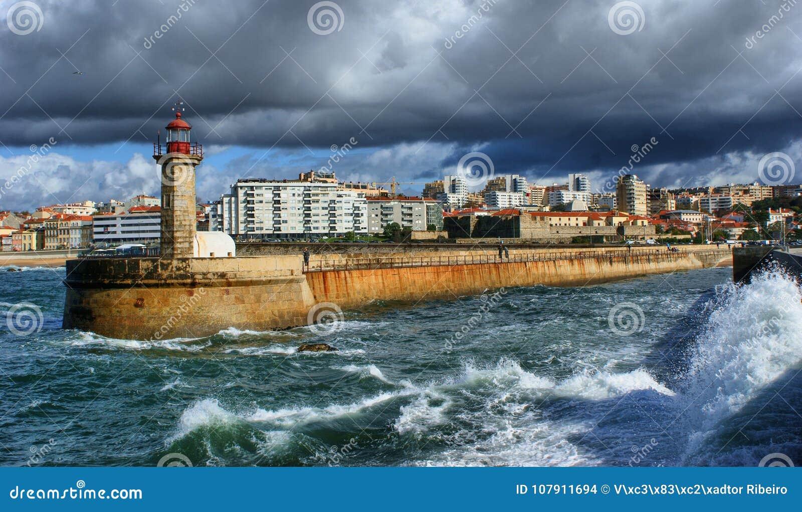 Foz do Douro lighthouse