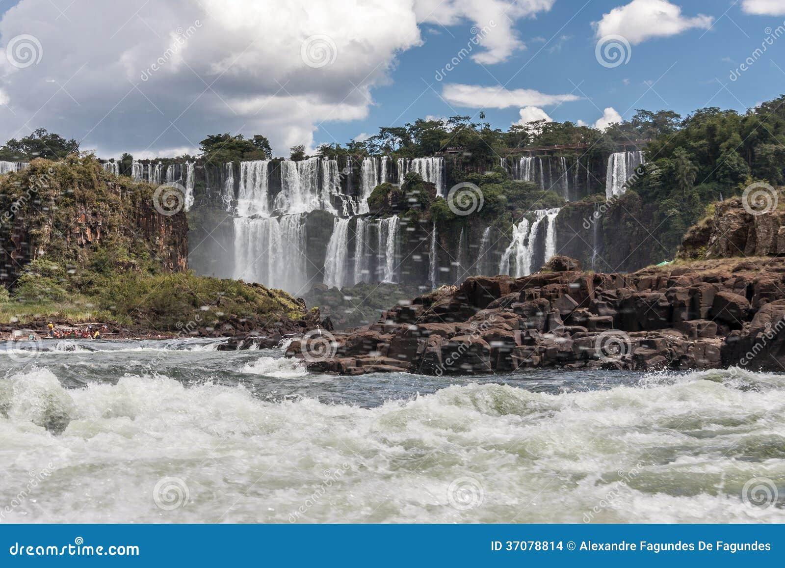 Download Foz Robi Iguassu Argentyna Brazylia Zdjęcie Stock - Obraz złożonej z iguassu, kamienie: 37078814