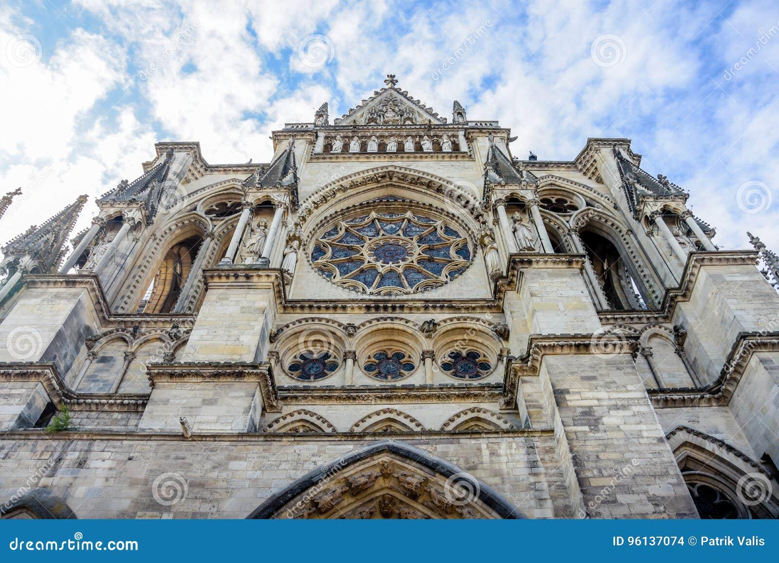 Främre kyrka i Reims