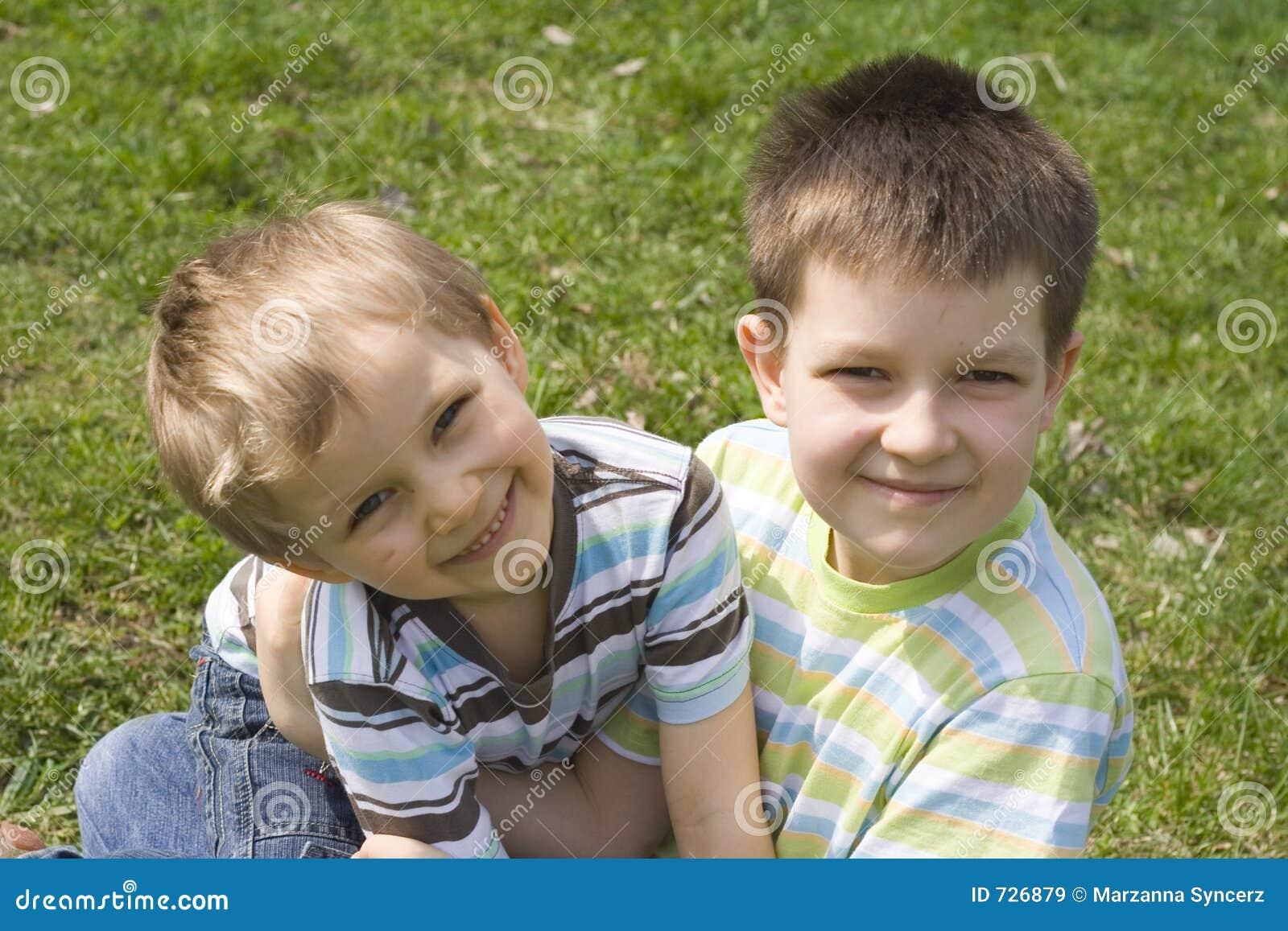 Frères heureux
