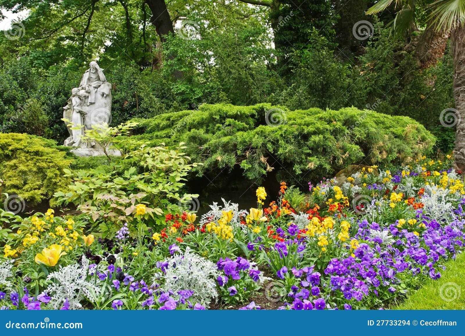 Frühling im Parc Monceau