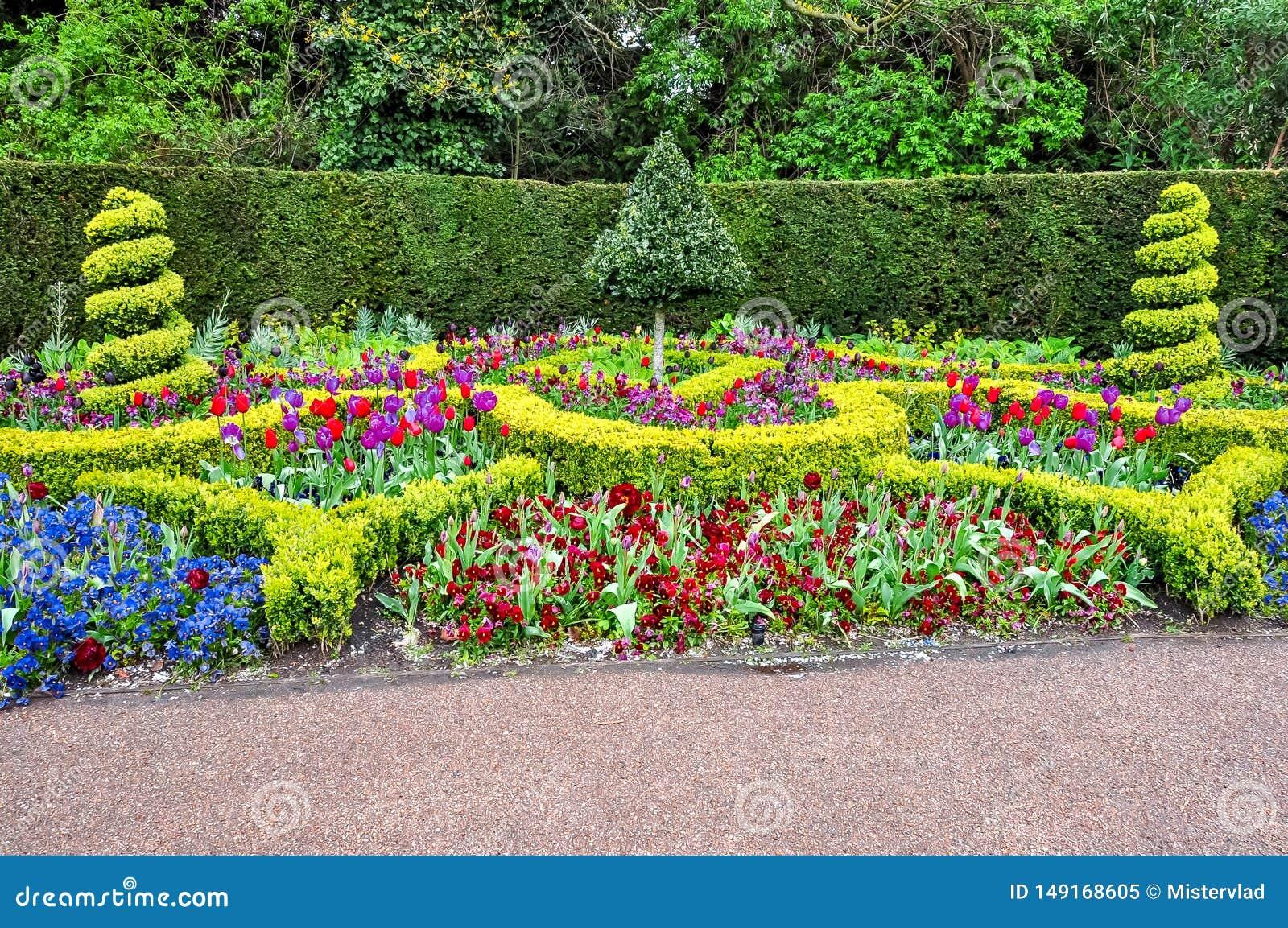 Frühlingsblumen im Park des Regenten, London, Vereinigtes Königreich