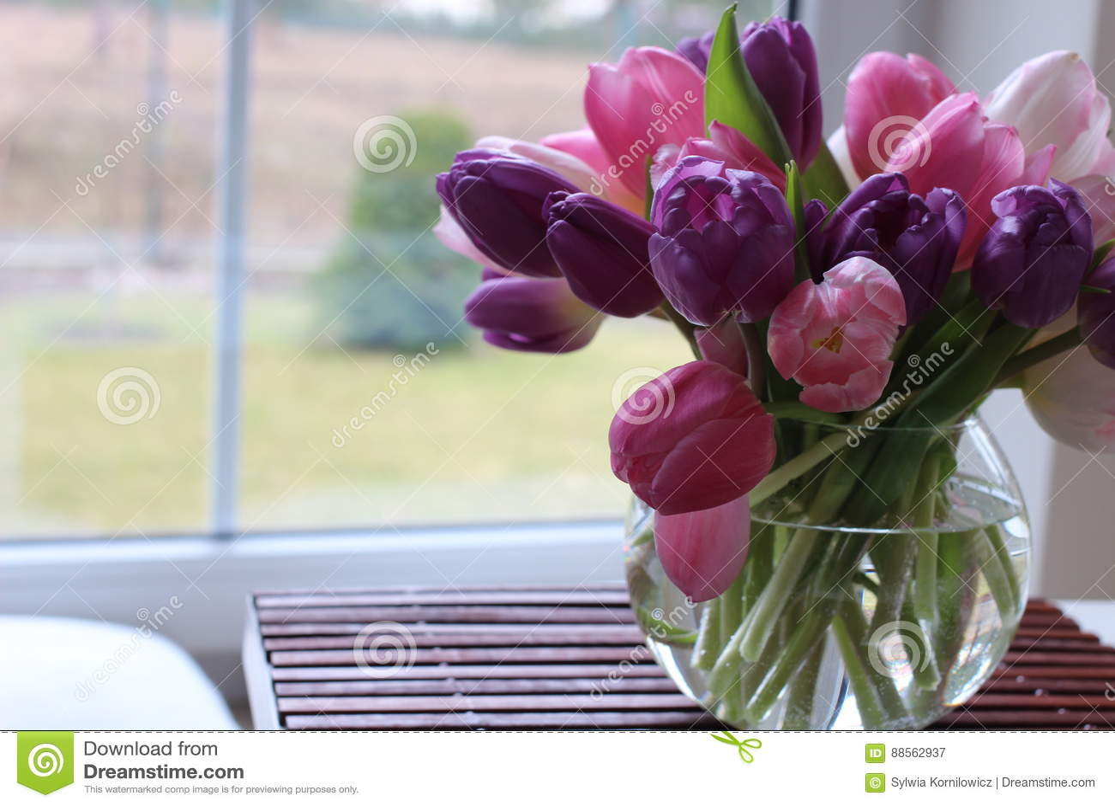 Frühlingszeit, Muttertag, Blumen und Kerzen, Rosa, Purpur, reizende Zeit, netter Geruch, reizende Farben, romantische Farben, Val