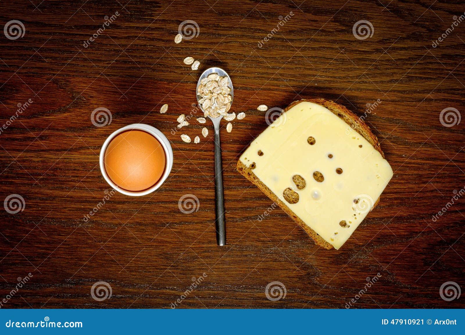 Frühstück: Ei-, Toast- oder Hafermehlbrei Auserlesenes Konzept