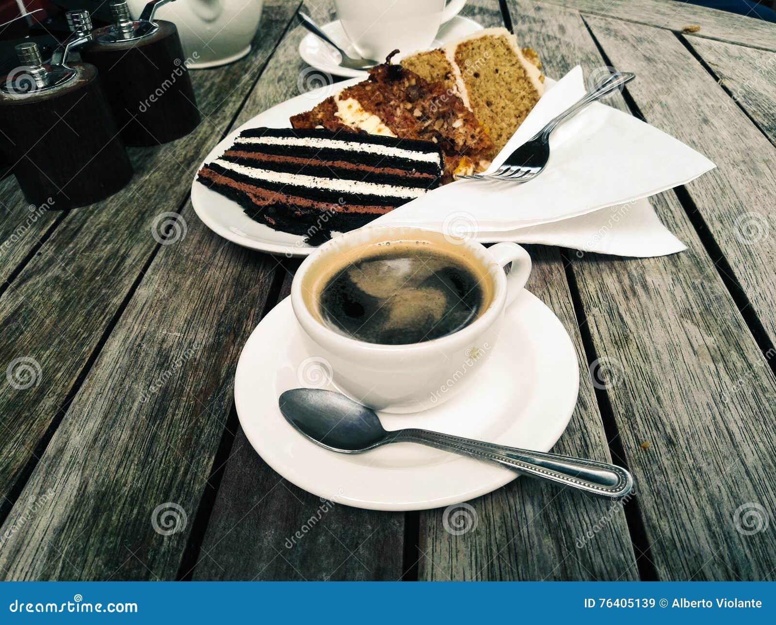 kaffee und kuchen stock fotos melden sie sich kostenlos an. Black Bedroom Furniture Sets. Home Design Ideas