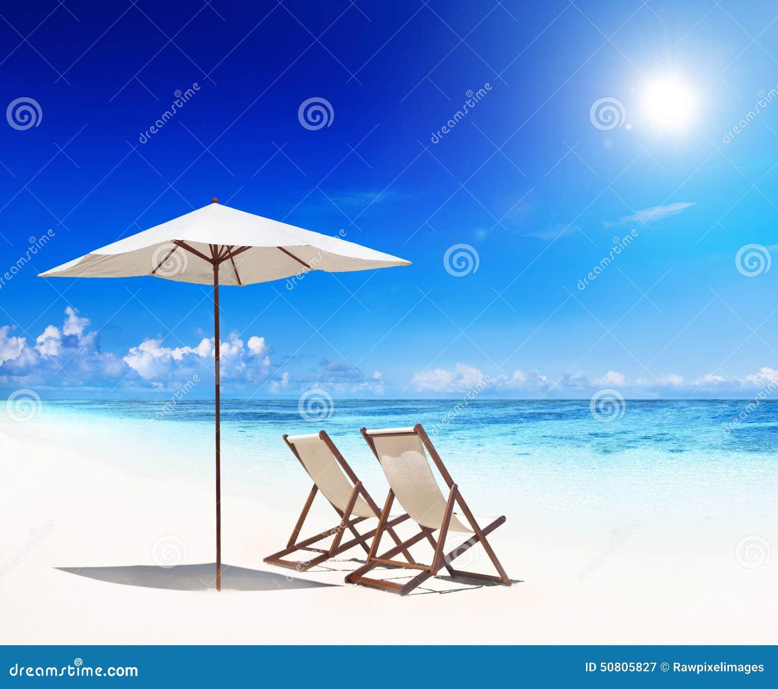 f r sandstrand f r solstolar vitt begrepp arkivfoto bild 50805827. Black Bedroom Furniture Sets. Home Design Ideas