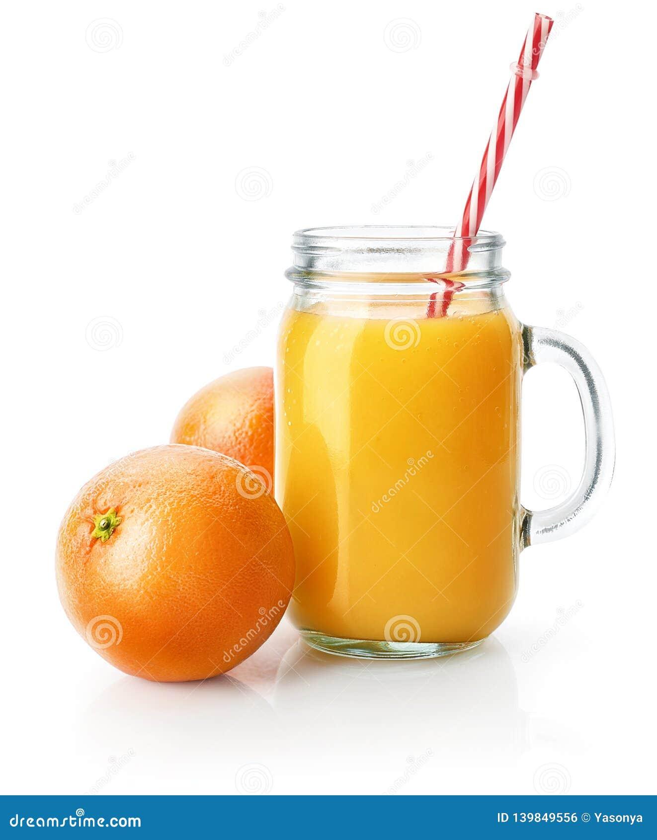 A fraîchement serré le jus d orange dans le pot de maçon en verre