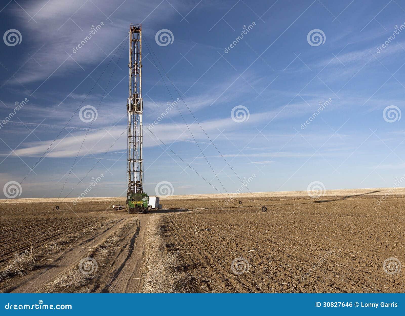 Gas Prices In Colorado >> Fracking Rig In A Colorado Farm Field Stock Photo - Image ...