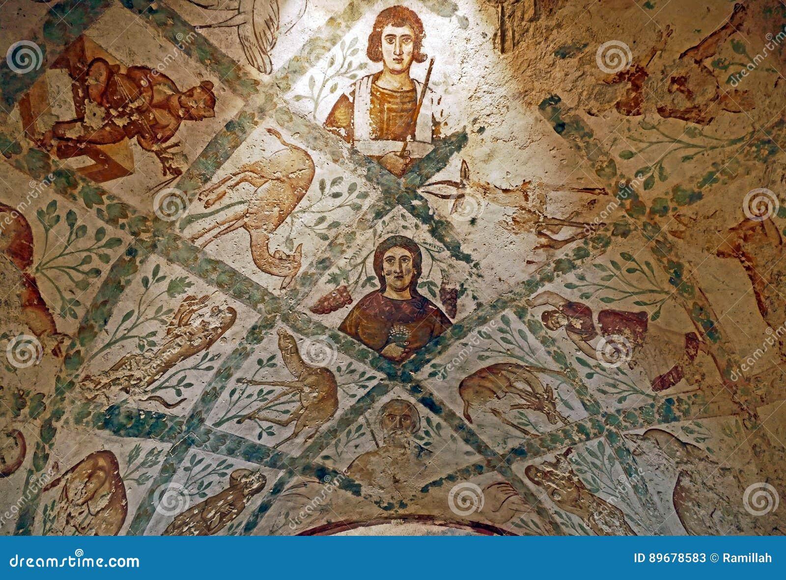 Fragment Roman Mural Ceiling Ruins på den forntida Umayyad ökenslotten av Qasr Amra i Zarqa, Jordanien