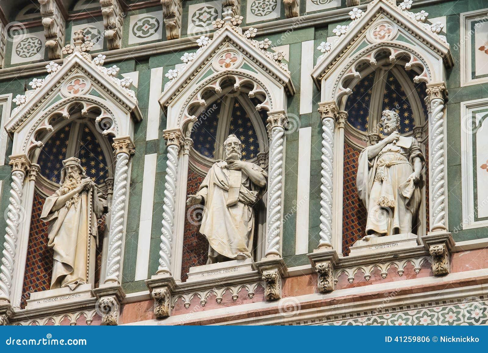 Fragment van voorgevel Duomo Santa Maria del Fiore, Florence, Italië