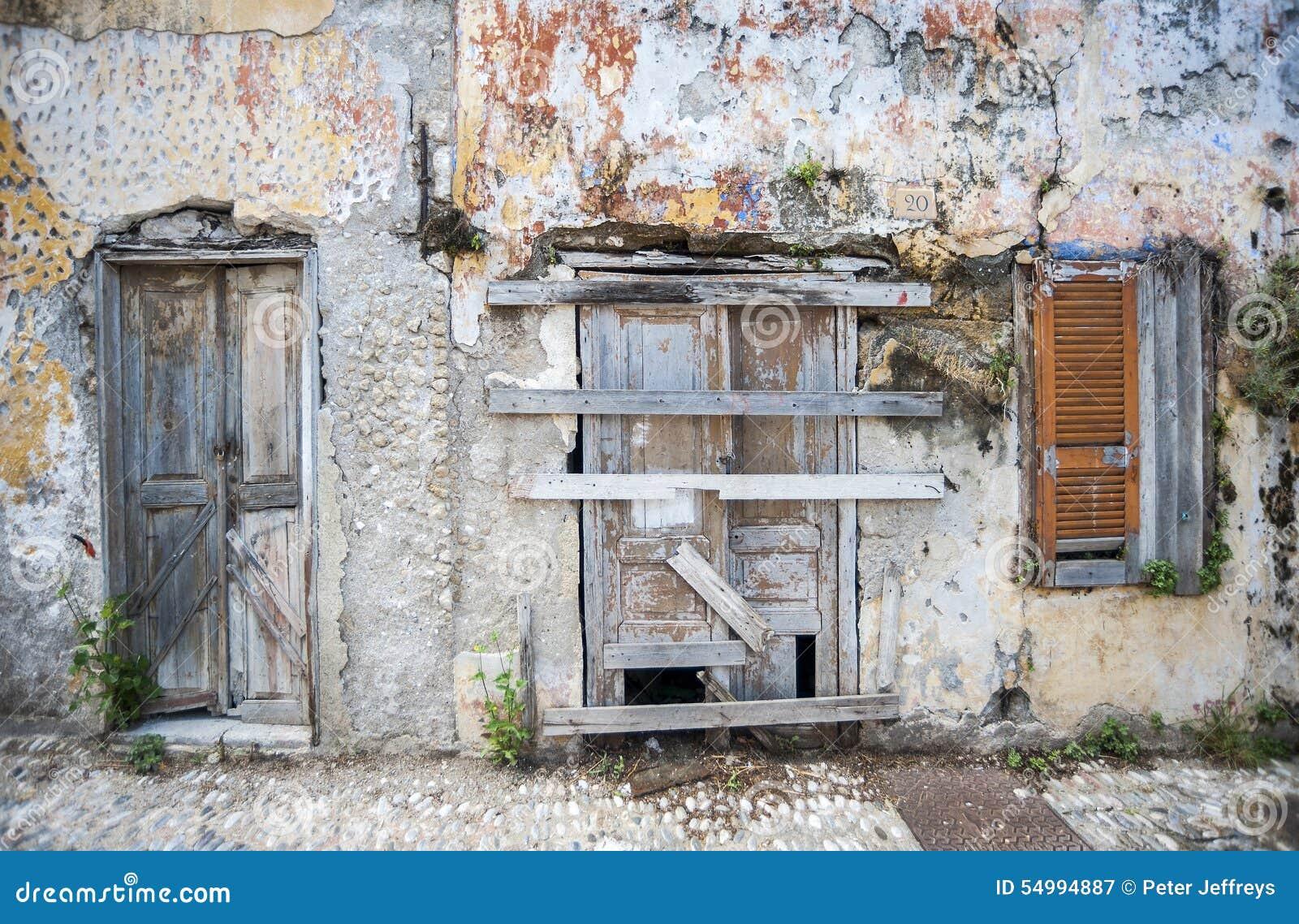 Framdel av ett övergett hus Rhodes, Grekland